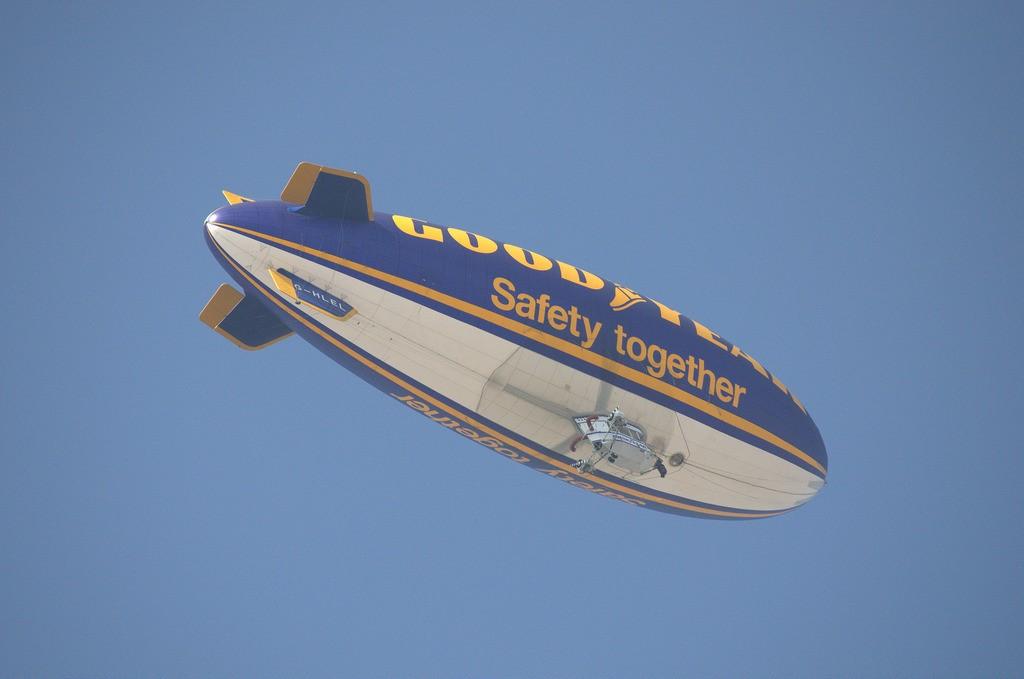 Zeppelin2_7011836269_l.jpg