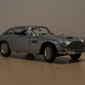 SiJ day 14 Aston Martin DB5