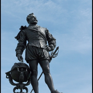 Statue of Sir Francis Drake, Plymouth Hoe