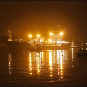 Bro Deliverer berthing after dark-3