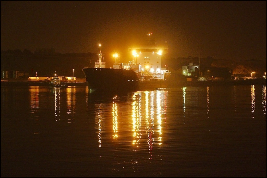 Bro Deliverer berthing after dark-1