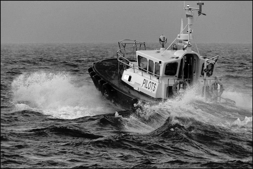 Rough ride for the pilot boat