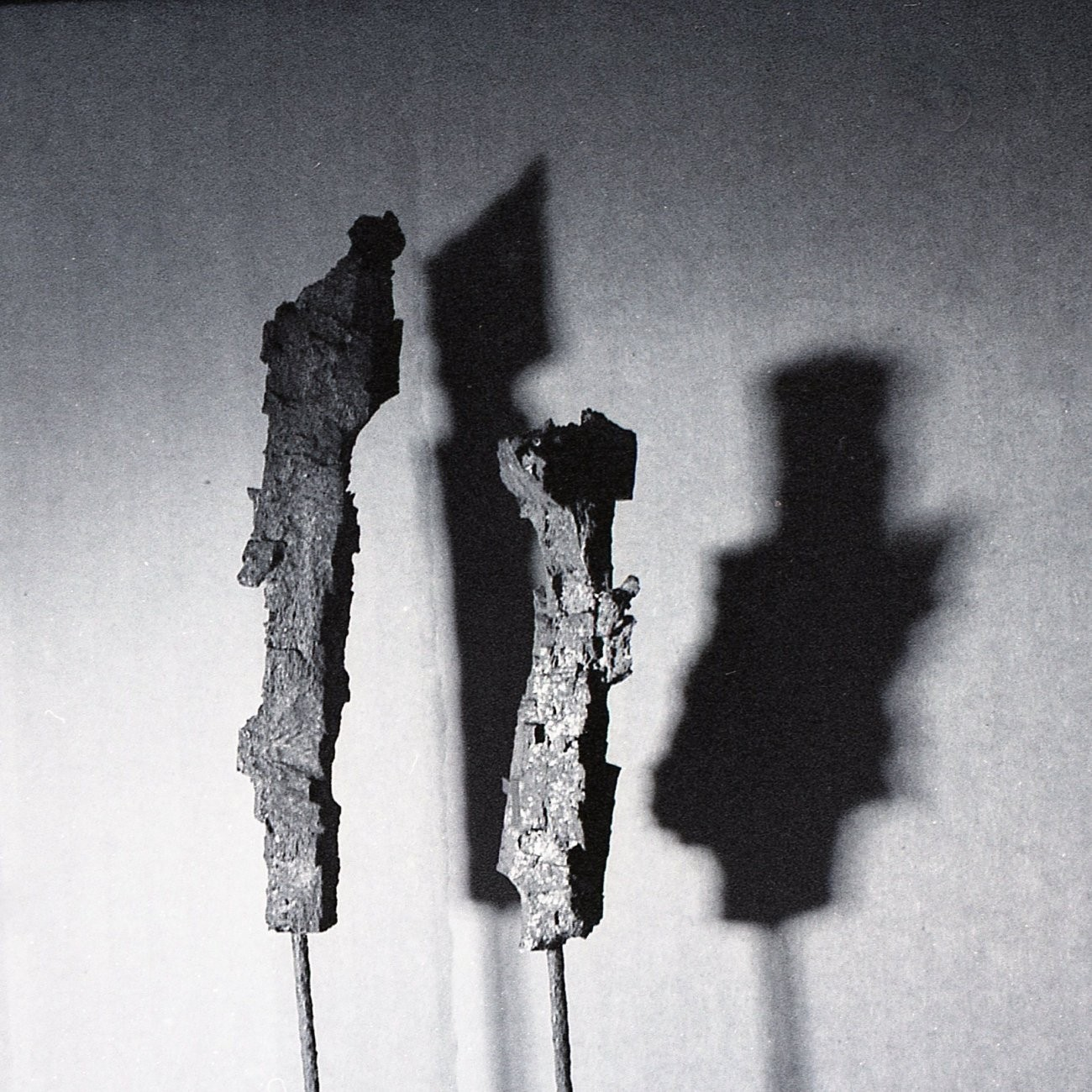 SiJ 2 Two Figures BW-001